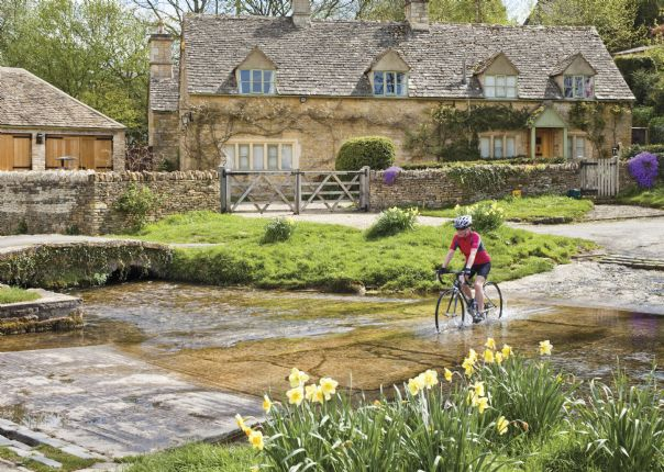 Uk Cycling Breaks And Weekends Cycle In The Cotswolds Or